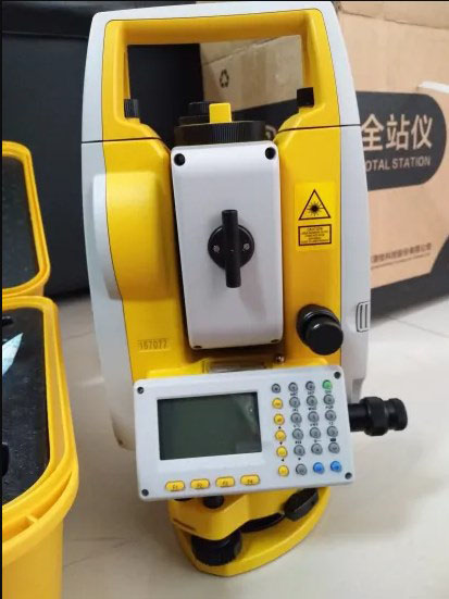 Total Station South NTS 322R4